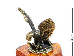 AM-1477 Фигурка Орел, терзающий змею латунь, янтарь