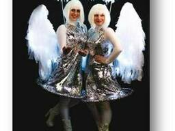 Ангелв светящихся костюмах
