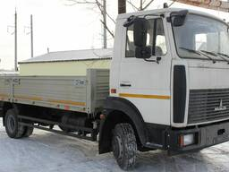 Аренда грузового автомобиля 5 тонн и 10 тонн. Бортовой.