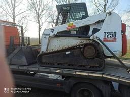 Аренда гусеничных мини-погрузчиков BOBCAT T250 и T190 (ландшафтные и планировочные работы)