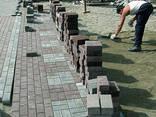 Благоустройство территории мощение тротуарной плиткой - фото 1