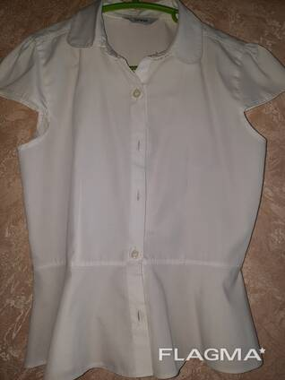Блузку школьную