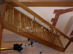 Деревянная лестница на второй