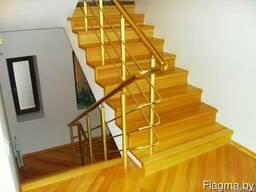 Деревянная лестница на второй этаж в частный дом