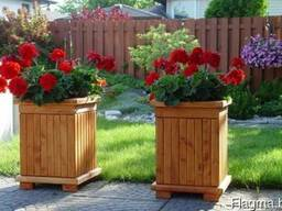 Деревянные кадки и кашпо для деревьев и растений уличные.