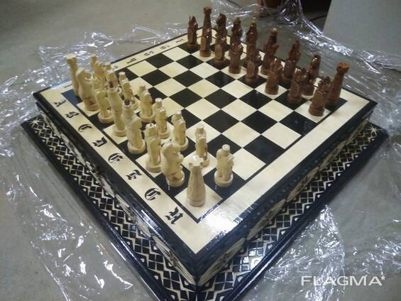 Деревянные шахматы и нарды ручной работы
