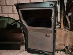 Дверь сдвижная правая Chrysler Voyager