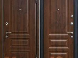 Дверь входная М-11 на улицу.