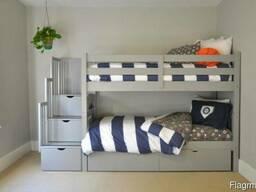 Двухъярусная кровать с лестницей комодом из массива Дуплекс