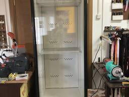 Холодильный шкаф в хорошем состоянии