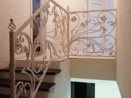 Изготовление кованных лестниц, навесов , перил