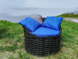 Кресло из композитной искусственной (полимерной) лозы