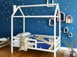 Кровать-домик Nicol Model 3 из массива сосны на заказ.