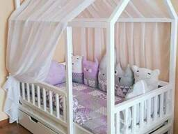 Кровать-домик Nicol Model 4 из массива сосны на заказ.