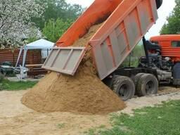 Купить песок (ПГС) с доставкой самосвалом 20 тонн