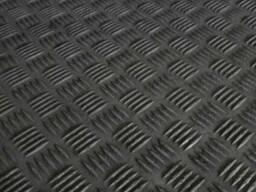 Лист рифлёный нержавеющий ASTM A240, EN 10088, EN 10029