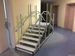 Маршевая лестница с горкой