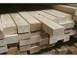 Брус свежепиленный из древесины хвойных пород