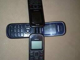 Мобильный, сотовый телефон старый