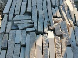 Натуральный камень песчаник лапша серо-зеленая толщина 2-4см