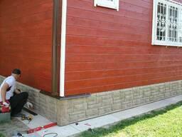 Облицовка фасада и цоколя дома пластиковыми панелям