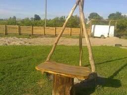 Очаг и столик из дерева
