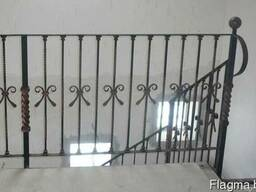 Ограждение балконов, лестничных проемов, перила из металла