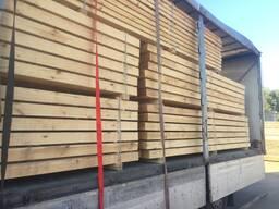 Окажем услуги по распиловке древесины.