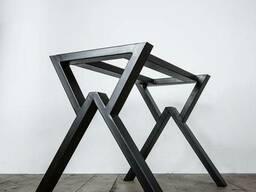Опоры металлические для столов.