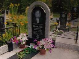 Памятники из гранита на могилу