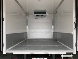 Переделка фургона под *тушевоз* для перевозки туш на подвесе