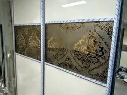 Пескоструйная обработка поверхностей стекла и зеркал.