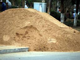 Песок речной, щебень, грунт