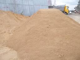 Песок сеяный 10т.