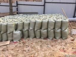 Песок в мешках 50кг сеяный, щебень и керамзит.