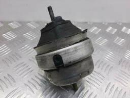Подушка крепления двигателя Audi A6(C5)