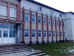 Продается трехэтажное здание в г. Клецк.