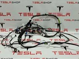 Проводка крышки багажника Tesla Model X