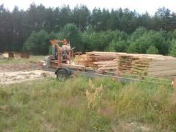 Распил древесины, леса.