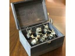 Рюмки - перевертыши коллекция зверей, в деревянном сундуке (бронза, стекло)