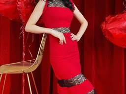 Шикарное красное платье с кружевом!