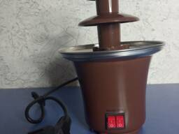 Шоколадный фонтан (фондю, шоколадница)