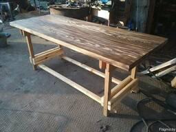 Стол из дерева