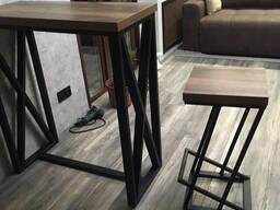 Стол Loft дизайна.