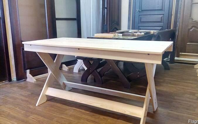 Стол садовый деревянный.