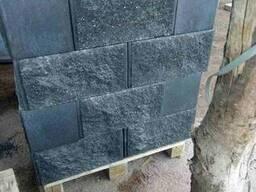 Столбовые блоки Рваный камень цветные