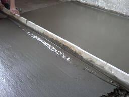 Стяжка пола бетонная