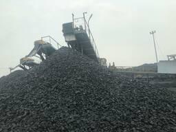 Уголь в мешках и насыпью
