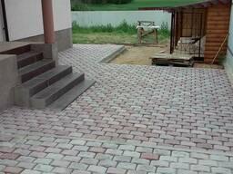 Укладка тротуарной плитки, кладка блоков, фундаменты и т. д.