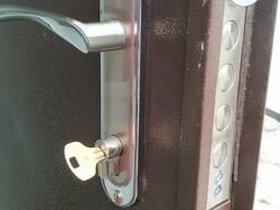 Установка дверных замков (Металл, Дерево, Пластик)